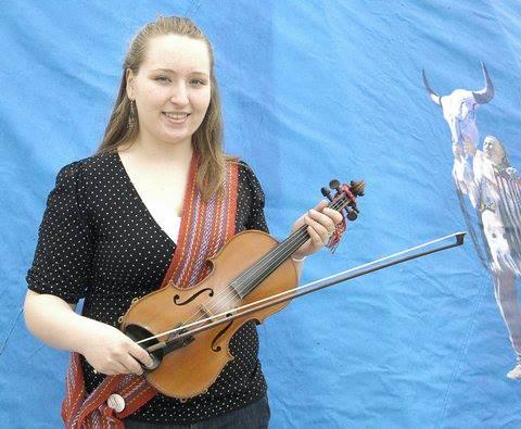 Alicia Blore – Metis Fiddler
