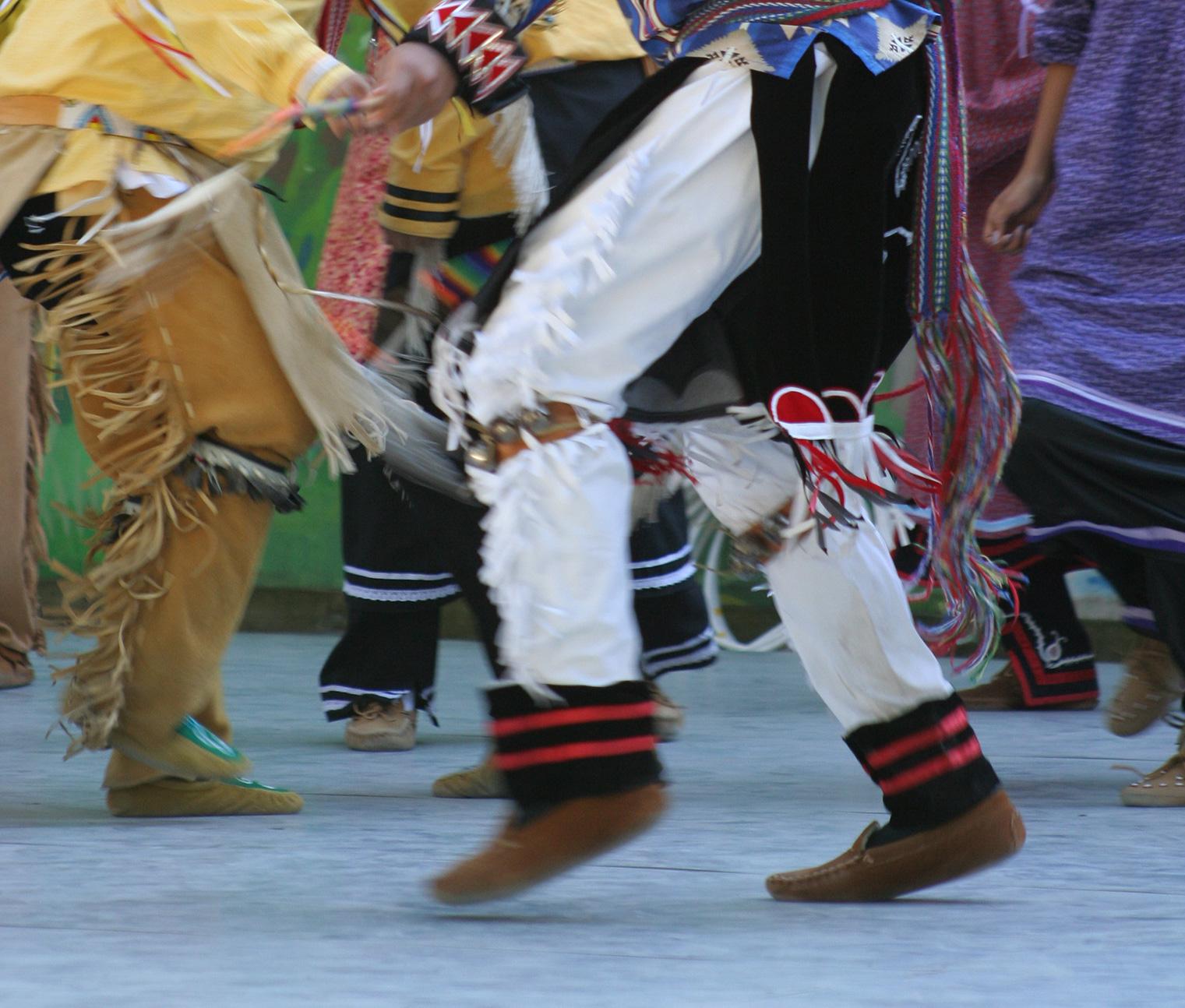 The Art of Indigenous Dance – The Smoke Dance